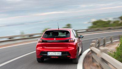 Peugeot-importeur stelt levering elektrische 208 uit
