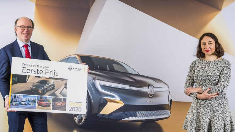 Oving uitgeroepen tot 'Renault Dealer of the Year 2020'